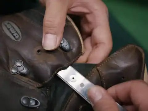 Schoenreparatie 1